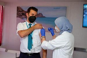 Baleària inicia un plan de vacunación adicional para completar la inmunidad de sus tripulaciones