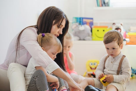 Beneficio para madres: Pueden deducir gastos por guardería de hasta mil euros
