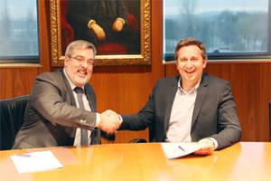 Benoît Hérbert, Vicepresidente de Business Development & Licensing de Pediapharm, y Oriol Segarra, Consejero Delegado de Uriach