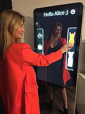 Bismart presenta un espejo mágico en el Mobile World Congress