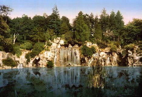 Bois du Boulogne, the cascade, Paris