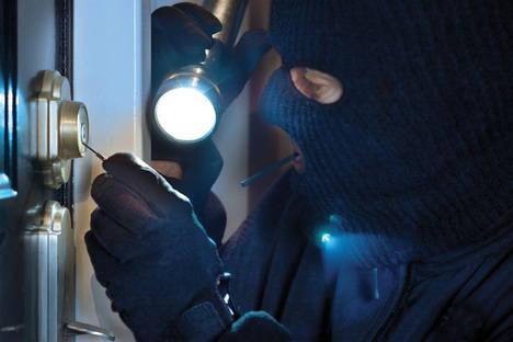 Bombines, cómplices del ladrón: aumentan los robos sin forzar la puerta