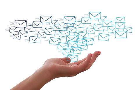 Borrar 50 correos electrónicos en un día puede reducir la huella de carbono en 28g, según la web HostingExperto