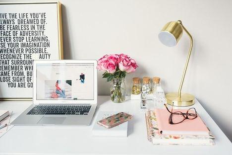 Bourgeois Prime recomienda 5 consejos para tener un espacio de trabajo en casa