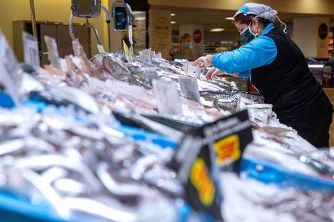 Caprabo refuerza su plantilla con 700 personas en tiendas, plataformas y online