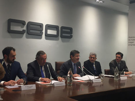 """Rafael Catalá: """"La falta de seguridad jurídica y de respeto a la convivencia frenan el crecimiento"""""""