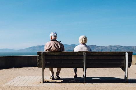6 consejos para cuidar de las personas mayores en verano