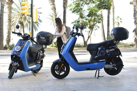 Cabify extiende su apuesta de multimovilidad a Málaga y ofrece un servicio de motos eléctricas junto a MOVO