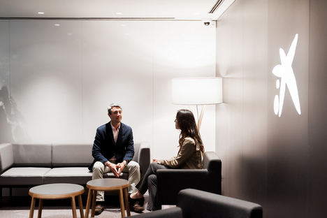CaixaBank lanza una nueva división especializada en el sector de las farmacias