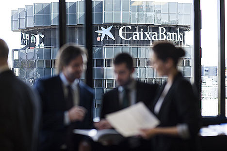 CaixaBank obtiene un beneficio de 533 millones y aumenta en 11.000 millones los recursos de clientes