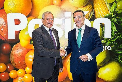 CaixaBank y la Organización Interprofesional del Vino de España renuevan su acuerdo para seguir impulsando la competitividad del sector vitivinícola