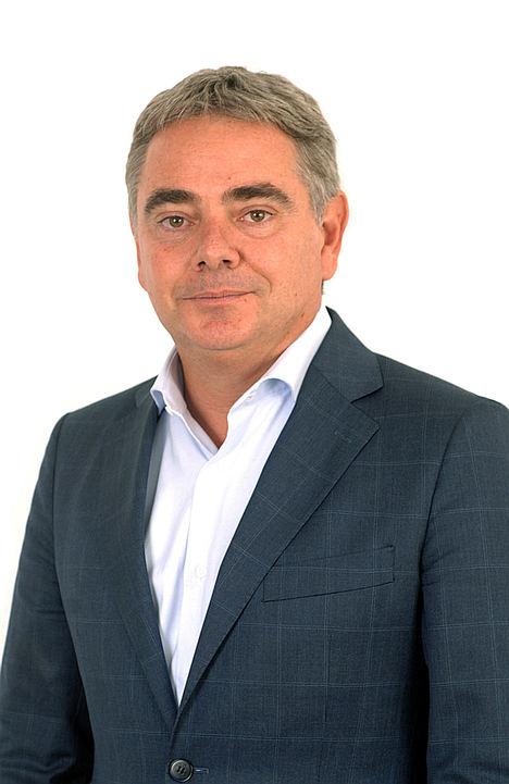 Carlos Alba, Headway Executive Search.