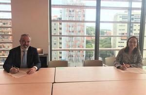 Carlos Seara, director de AgroBank, y Mireia Torres, presidenta de la Plataforma Tecnológica del Vino.