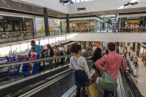 Carmila firma un año récord y consolida su liderazgo en el sector de centros comerciales