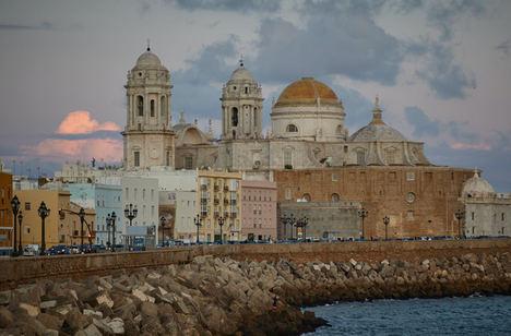 Las 10 mejores ciudades españolas para escaparte este verano