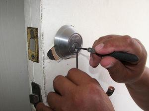 Cerrajeros San José hablan sobre los métodos de robo y como evitarlos en vacaciones
