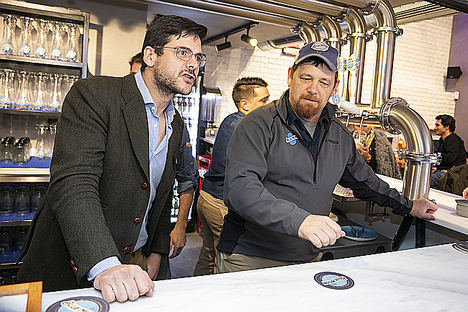 'Blue Moon' abre en Madrid su primer 'templo' de cerveza artesanal de Europa