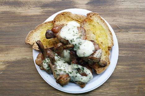 El Mercado de San Ildefonso propone un Menú del Día para disfrutar como en la cena más divertida