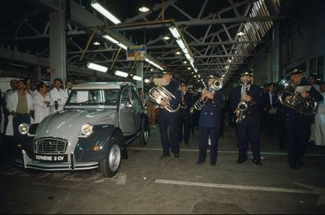 Se cumplen 30 años del cese de la producción del Citroën 2CV