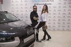El artista Bnomio diseña el primer coche tatuado