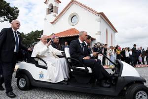 Club Car® transporta al Papa Francisco durante su visita al Santuario de Fátima en Portugal