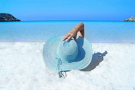 Cómo gestionar un negocio mientras se está de vacaciones según la experta en marketing Marielys Ávila