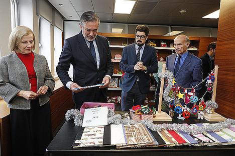 La Comunidad de Madrid colabora en un mercadillo solidario de productos elaborados por menores infractores