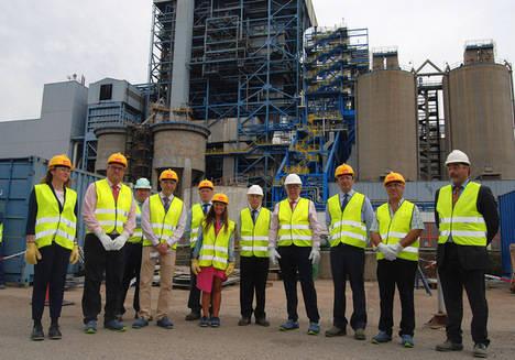 Viesgo presenta su inversión de 80 millones de euros en la Central Térmica de Los Barrios al Consejero andaluz de Empleo, Empresa y Comercio