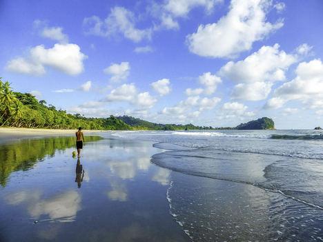Costa Rica lanza una campaña para convertirse en el primer país de Centroamérica con playas accesibles