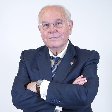 El experto César Nombela enumera 5 'must' para lograr una Navidad libre de COVID-19