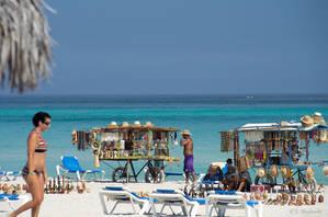 Cuba espera concluir el 2017 con casi 5 millones de turistas