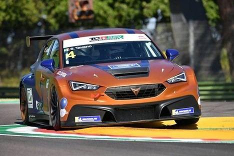 El Cupra León Competición ya es el coche a batir en el TCR de Escandinavia e Italia