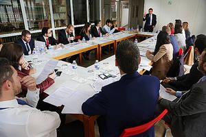 CaixaBank hace cursos de formación para las empresas que quieren internacionalizarse