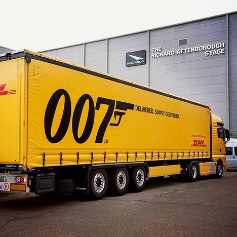 Licencia para entregar: DHL al servicio de la película número 25 de James Bond, Sin Tiempo Para Morir