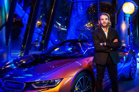 Dani Clos en la presentación de LA CIUDAD BMW con el nuevo i8Roadster.