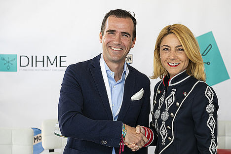 Daniel Sala, socio fundador y consejero delegado de DIHME, y Cari García, especialista en Franquicias de BBVA en Madrid y Castilla-La Mancha.