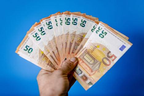 Los microcréditos: un salvavidas que puede hundir al usuario, según Defensa del Deudor