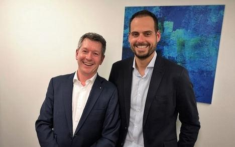 De izda. a dcha.: Franck Louis, Presidente de AGIR Recouvrement y Aitor Chacón, Director de RECOA Collection en España.