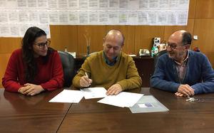 De izq. a dcha.: Silvia Herranz, Carlos Morón Fernández y Guillermo de Ignacio Vicens.