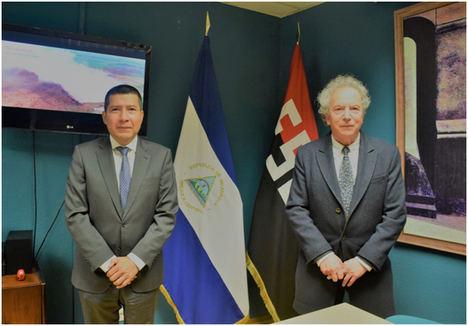 El académico y escritor español Francisco Gutiérrez Carbajo visita la Embajada de Nicaragua