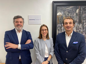 De izqda. a dcha.: Kai Torrella, consejero delegado de Gesinter; Silvia Torrella, directora general, y David Levy.