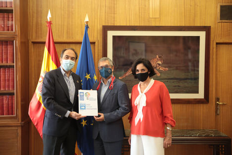 Ficosterra comparte con el Secretario de Estado de Medio Ambiente el comienzo de los ensayos internacionales del proyecto de Naciones Unidas (UNDP-OIC)