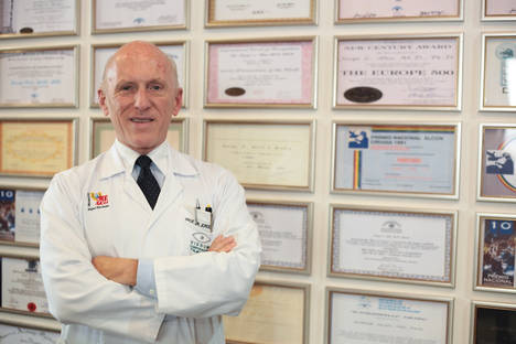 El Doctor Jorge Alió alerta de las lentillas que dicen modificar la miopía