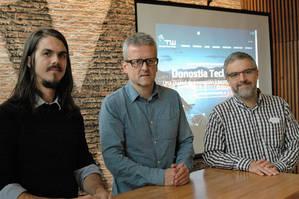 De izqda a dcha: Bart Farrel, talent manager de Ve Interactive, Josean Rodríguez, gestor deemprendimiento en ADEGI y Unai Elosegui, director general de la firma dosnotiarra Hispavista.