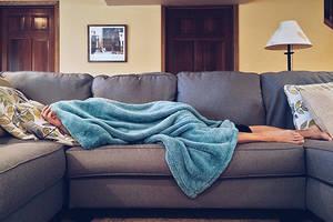 Dormir adecuadamente mejoraría la salud de un tercio de los españoles, según Templo del Masaje