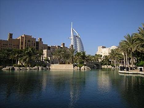 Coface mejora las perspectivas para Emiratos Árabes Unidos tras un difícil 2020