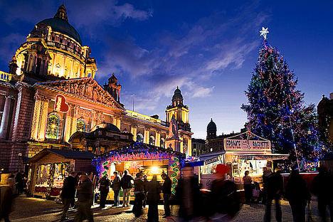 Sumérgete en el espíritu navideño de Irlanda a través de sus mercados