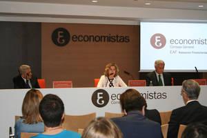Valentín Pich, Ana María Martínez-Pina, y Antonio Pedraza.