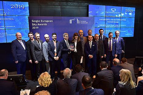 ENAIRE, junto a Eurocontrol y los ANSP de Francia (DSNA), Alemania (DFS) y Suiza  (Skyguide) recoge el galardón del Cielo Único Europeo en la categoría de Innovación.
