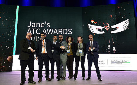 """ENAIRE recoge el premio 'Jane´s ATC Awards' por su ecosistema de herramientas conocido como """"Flow Tools Ecosystem"""" para optimizar la capacidad y eficiencia en la gestion del tráfico aéreo."""